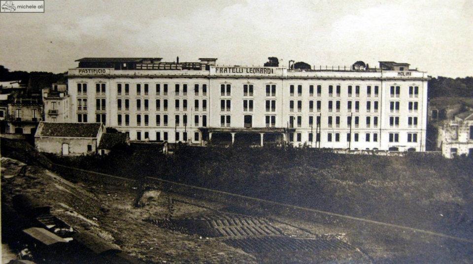 Una foto d'epoca: l'ex Pastificio Leonardi